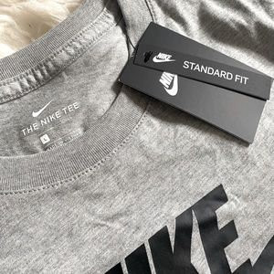 NWT Nike tee shirt